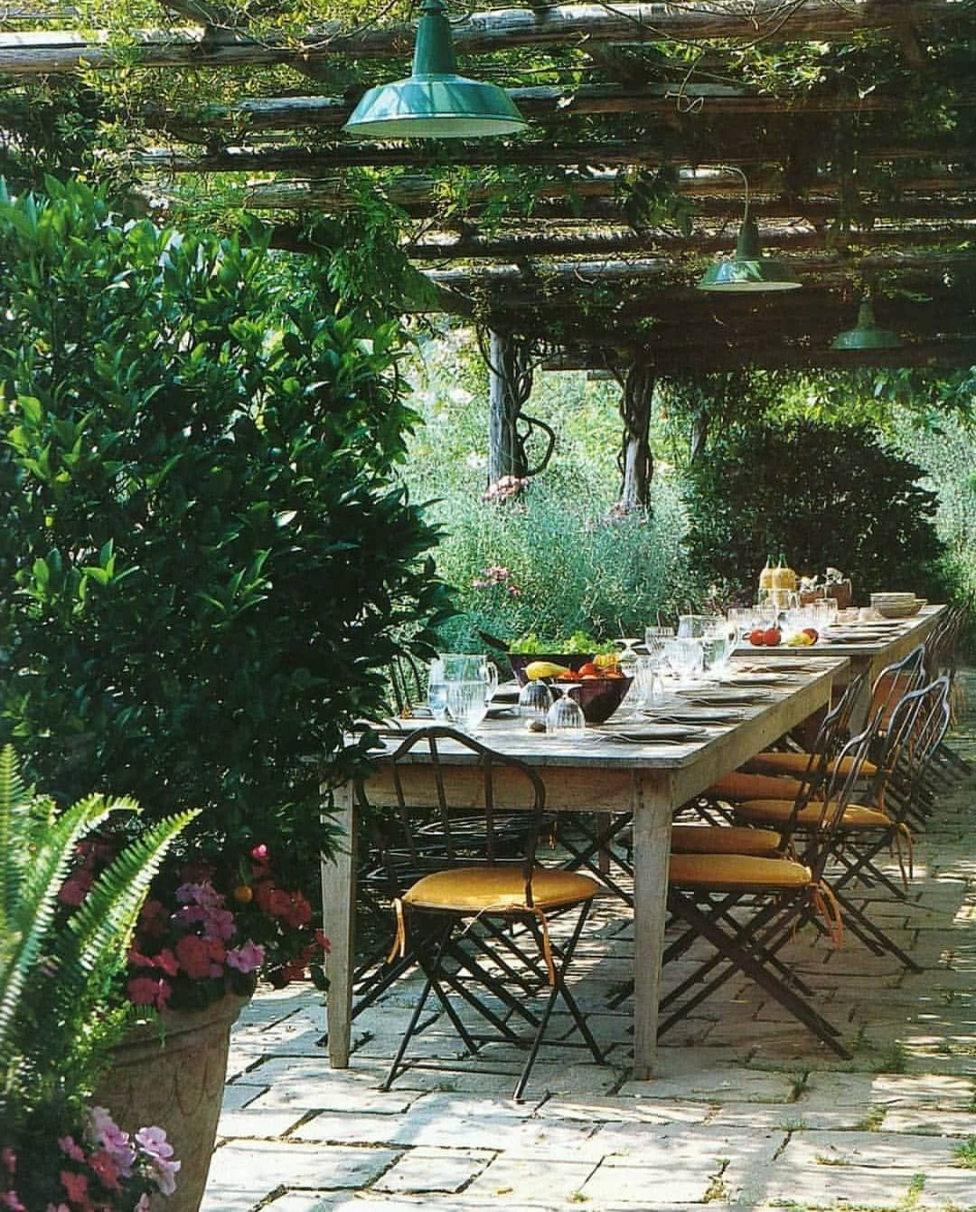 Modern Italian Garden Design: Designed By Paolo Pejrone. Genova,Italy Published In Villa