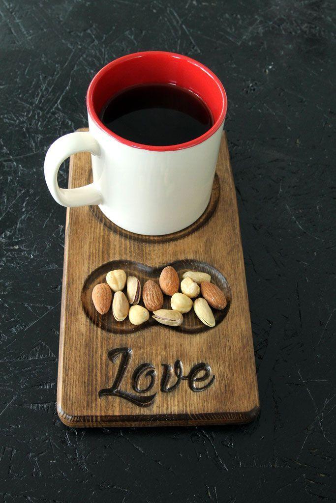Love yazılı ahşap kahve ve çay tabağı