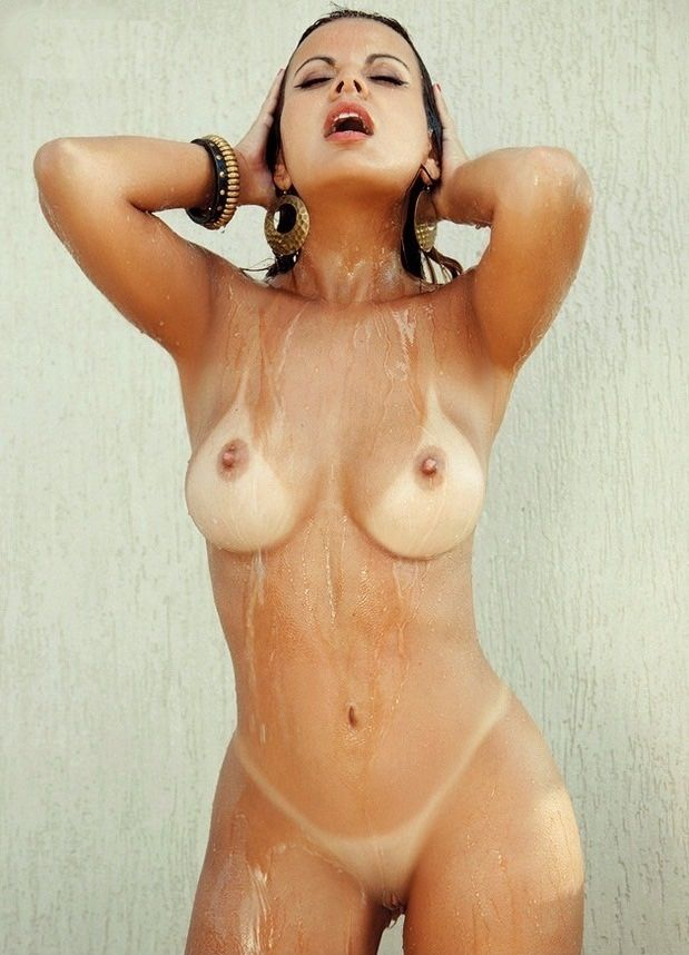 Free nude tanlines shower, farrah fawcett tied up
