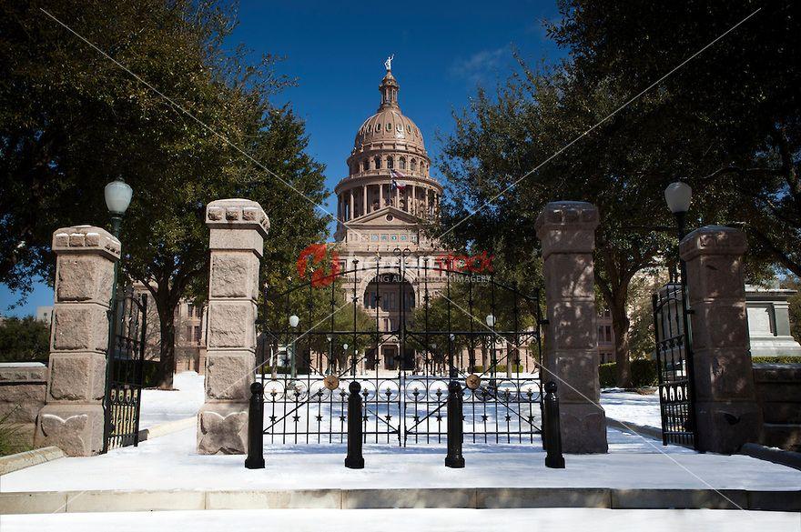 Freak Austin Texas Snow Storm Paints The Texas State Capitol White With Snow Herronstock Com Texas State Capitol Photo Photo Image