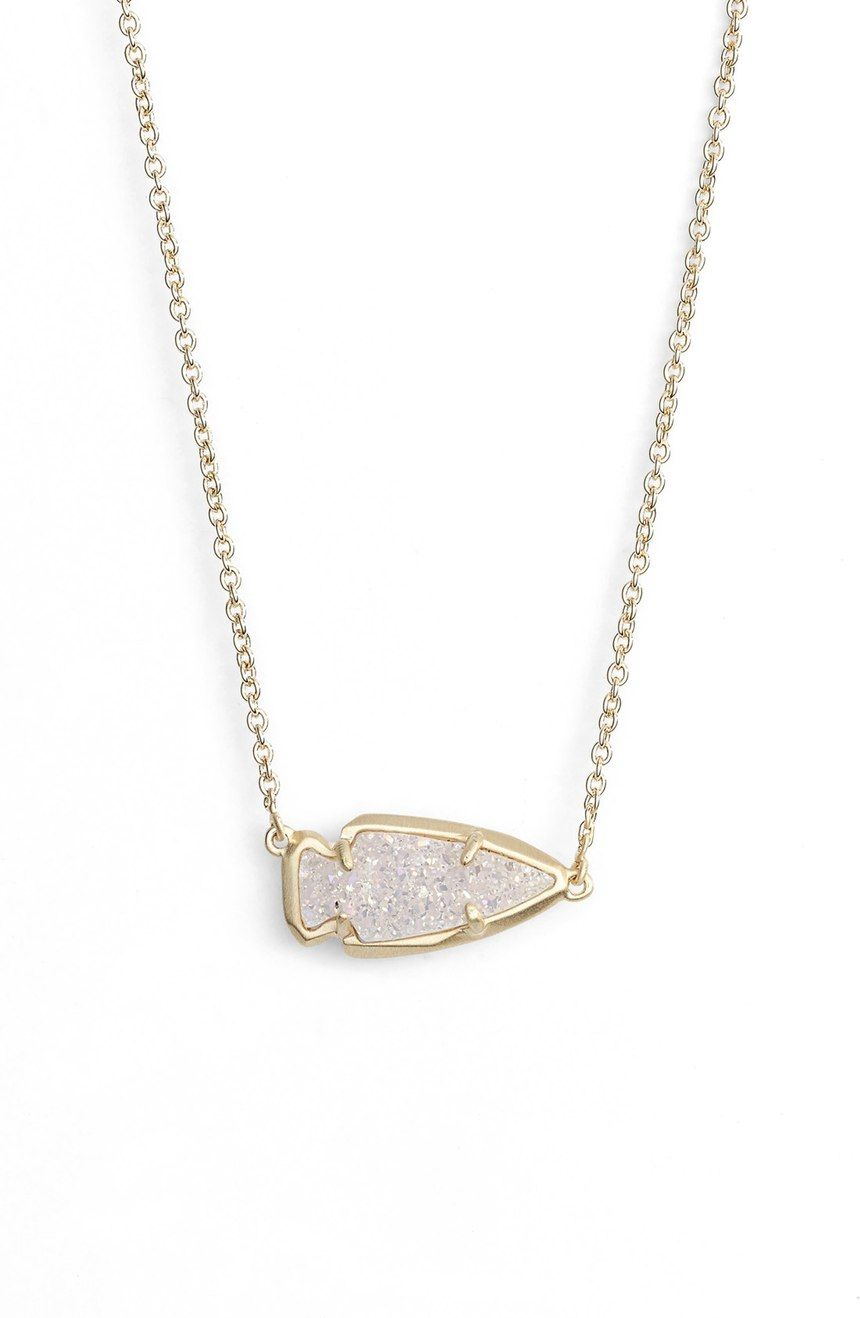 Obsessing over this striking pendant necklace from kendra scott