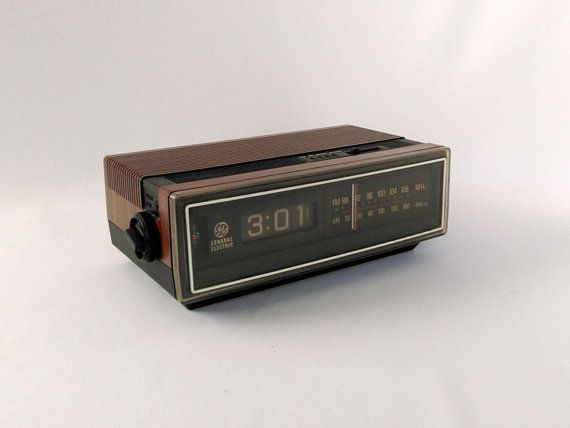 this is a retro general electric alarm clock with wonderful flip numbers this old clock. Black Bedroom Furniture Sets. Home Design Ideas