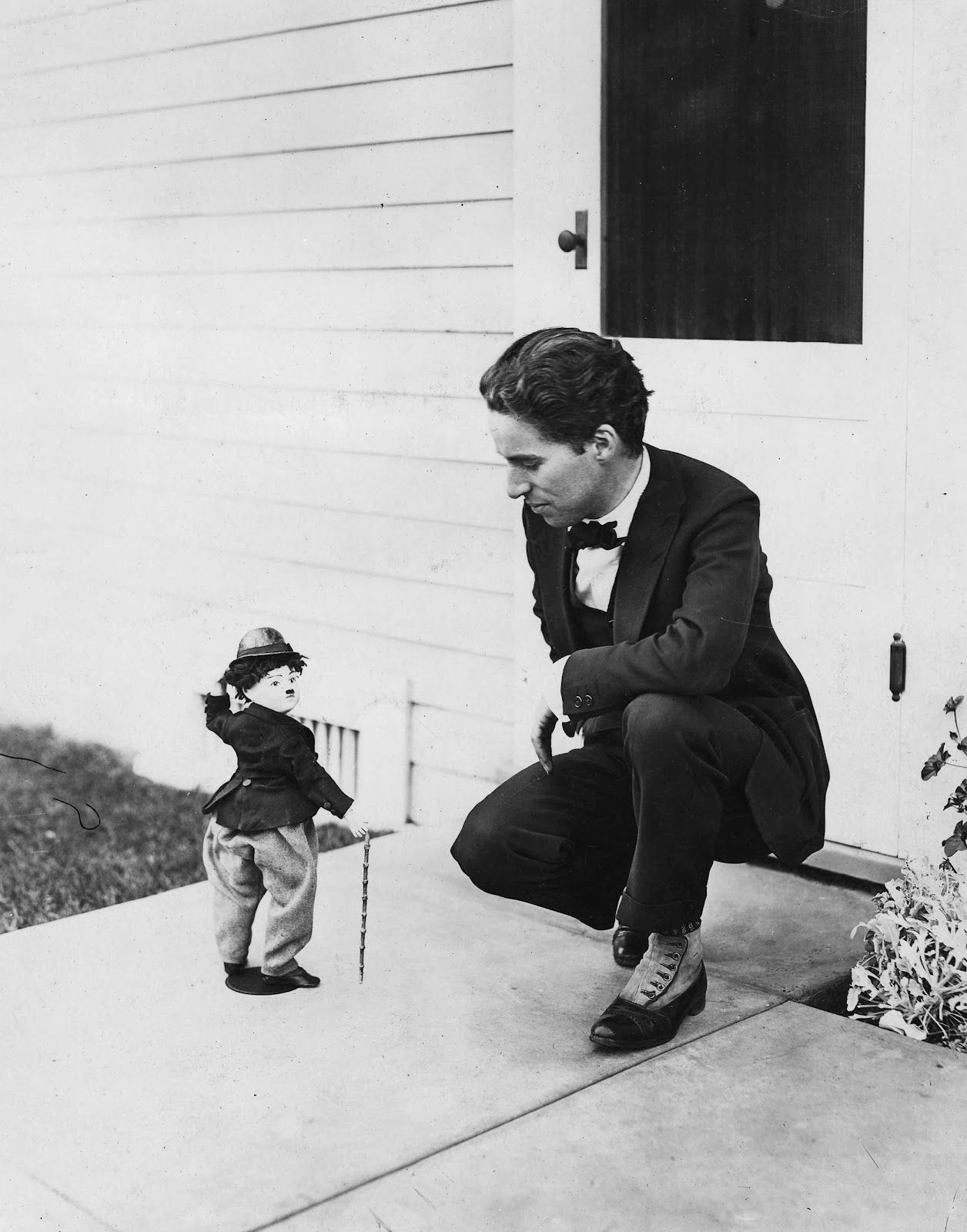 retronaut charlie chaplin and tramp doll peoples is peoples  retronaut charlie chaplin and tramp doll
