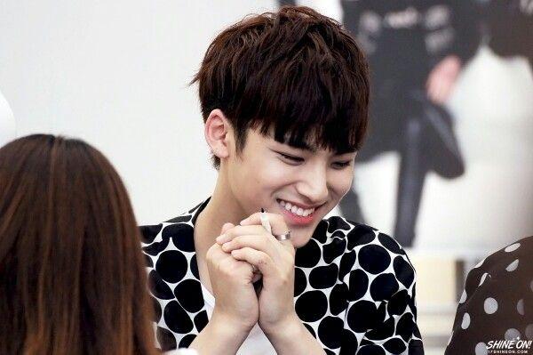 SEVENTEEN 세븐틴 || 150613 Fansign || Kim Min-Gyu 김민규