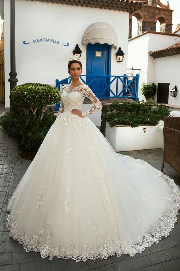 lea ball gown