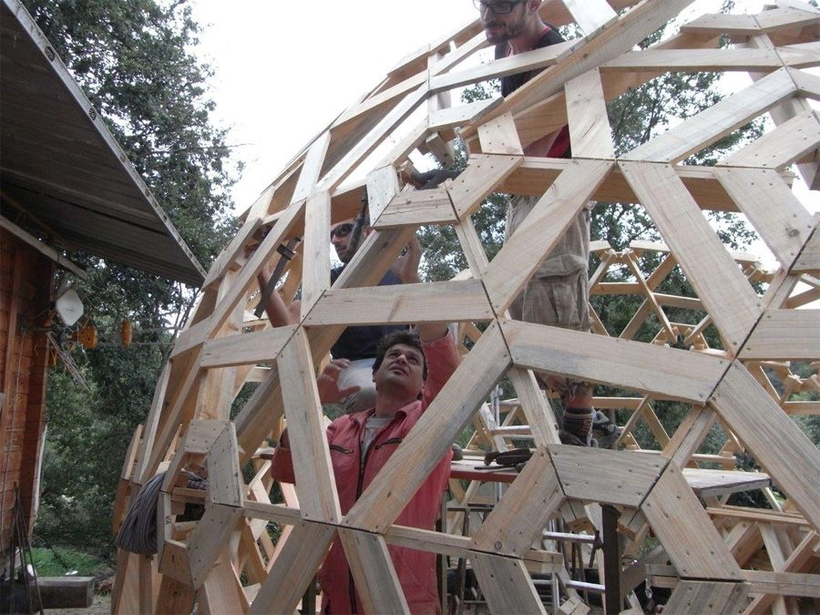 homemade dome greenhouse | With a few simple measurements and plenty of pallet plywood, a team of ...