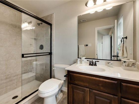 ... Moderne Kleine Badezimmer Trends 2018   Erstellen Sie Die Optische   Moderne  Kleine Badezimmer ...