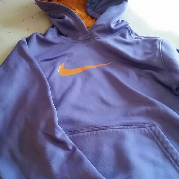 Nike therma fit It is a size youth large so that is like a women's medium Nike Tops Sweatshirts & Hoodies