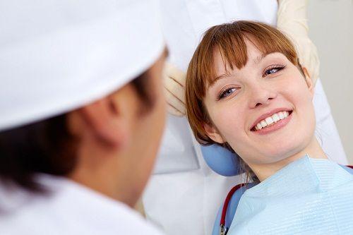 Răng bị mẻ thì phải làm sao để phục hình hiệu quả?