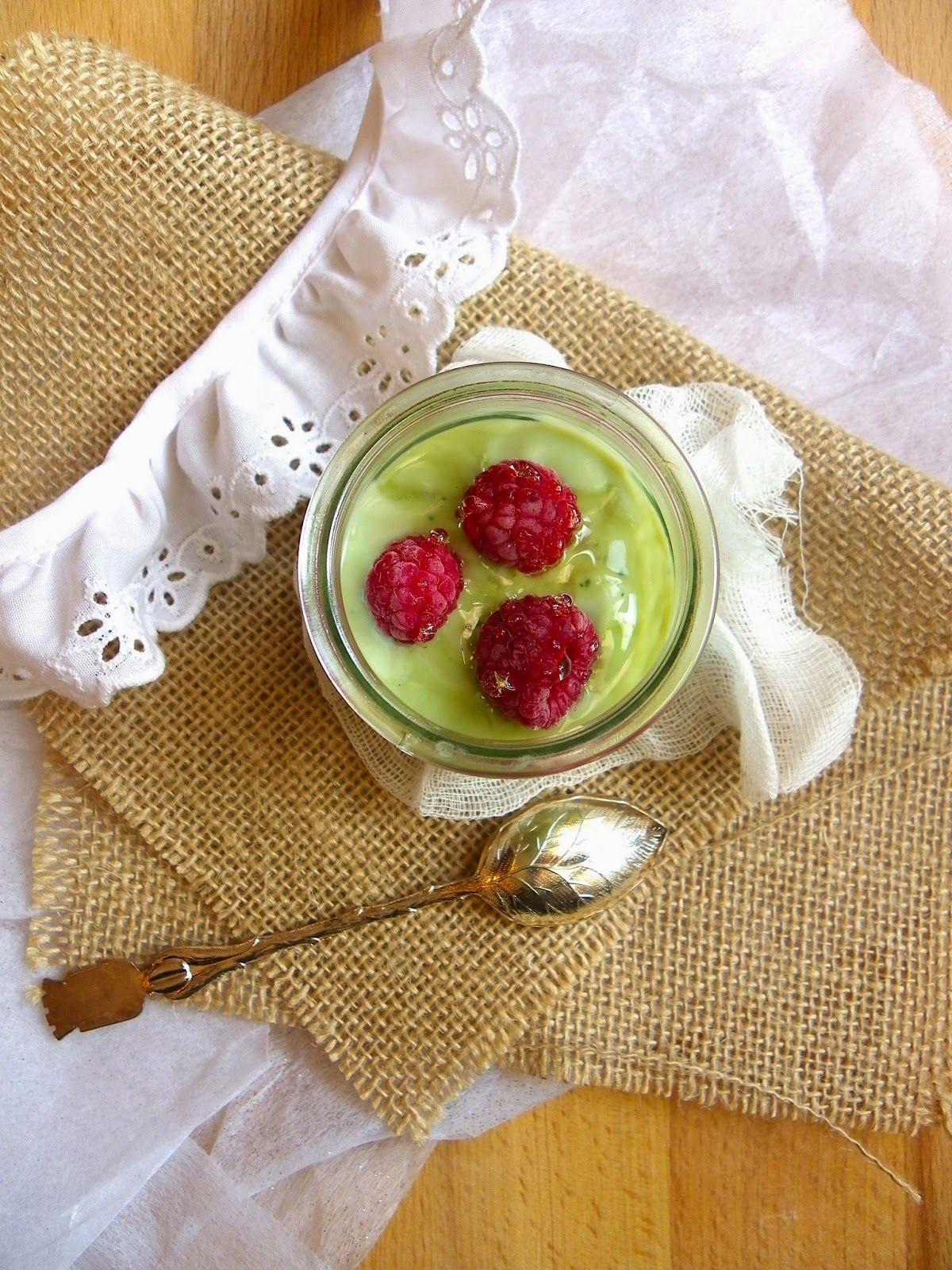 Rosenoisettes, Calme et Gourmandises...: Yaourt de soja au thé matcha et framboises