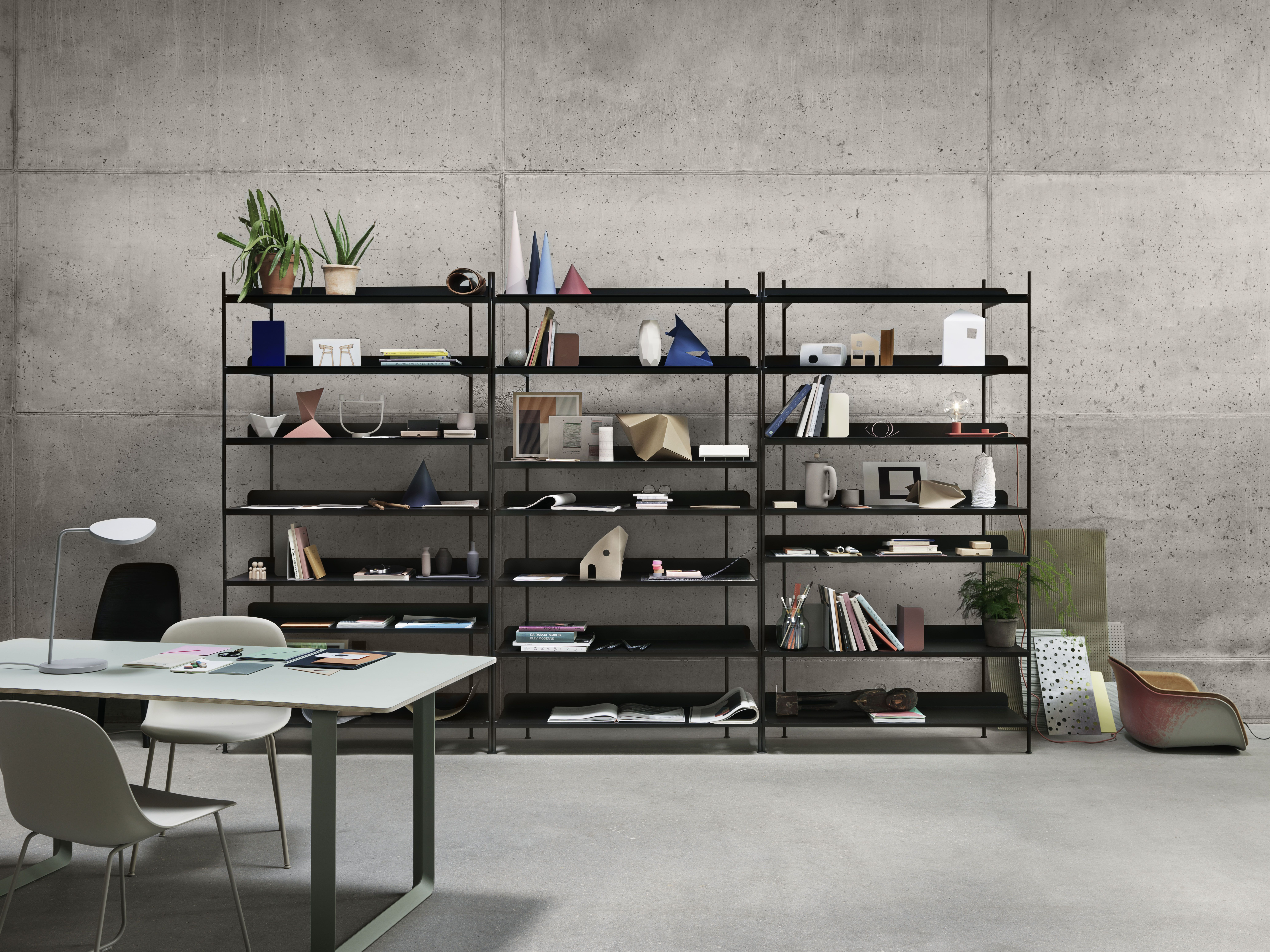 MUUTO INTRODUCES NEW DESIGN BY CECILIE MANZ PILE – A