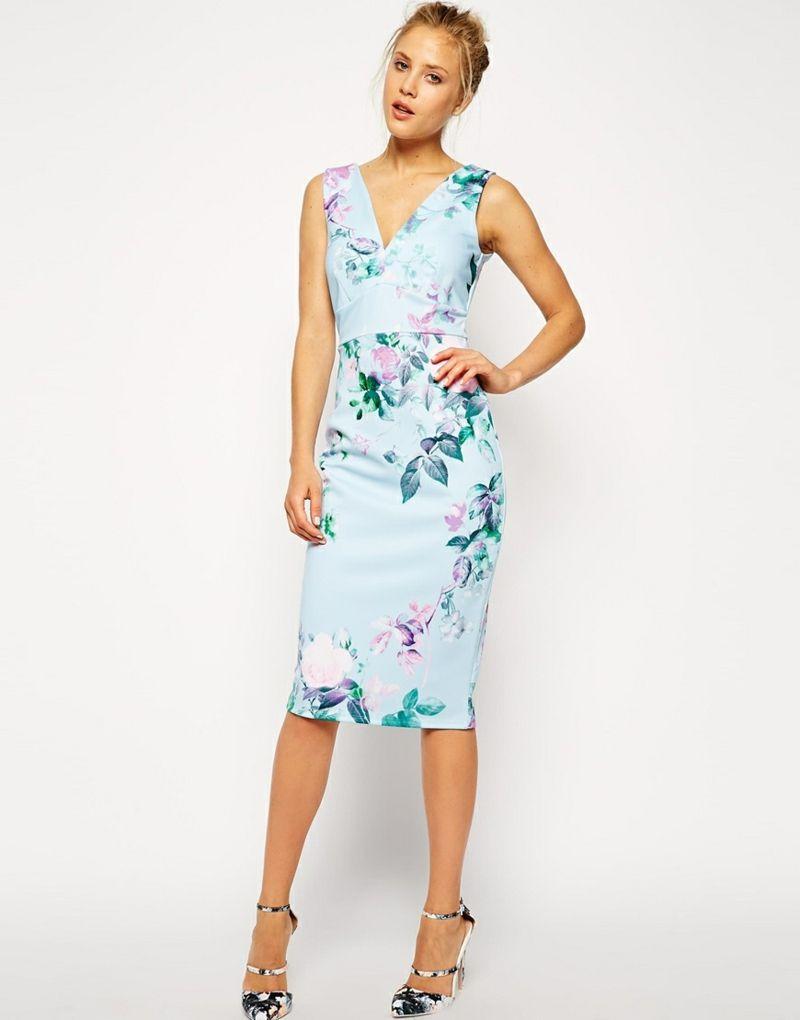 339cd1d7b krásné romantické letní šaty kolenní délky v světle modré růžové květinové  barvy