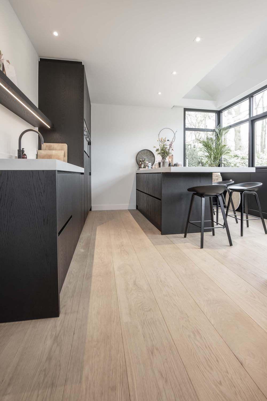 Houten Vloeren Op Maat Wood By Vorselaars Tilburg 10 Jr Garantie Wood By Vorselaars Houten Vloer Keuken Keuken Vloeren Keuken Ontwerp