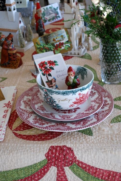 Love the quilt for a Christmas table