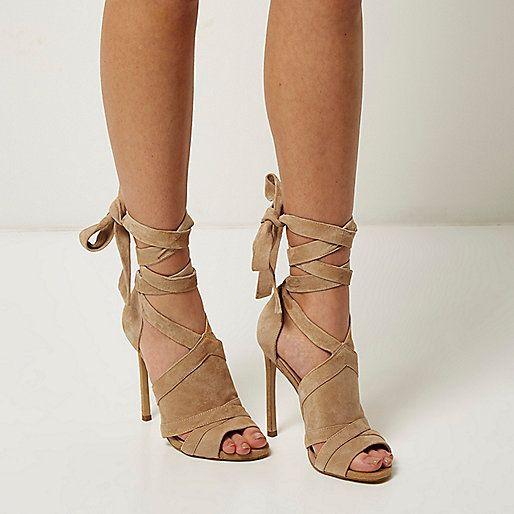 0a088295b Bottines en daim beige à lacets - Sandales à talons - Chaussures ...