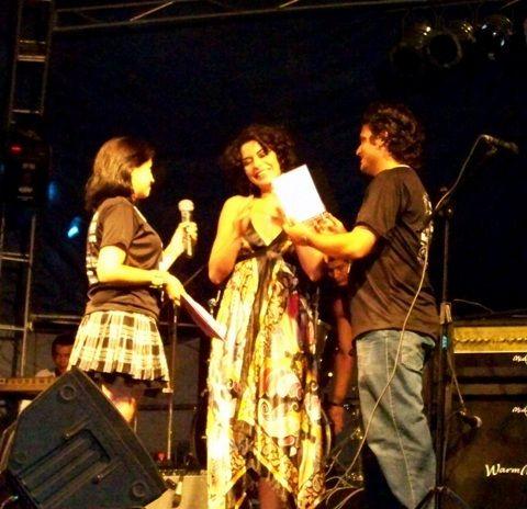 Maria Spíndola apresenta hoje (05) o show Fogo Original