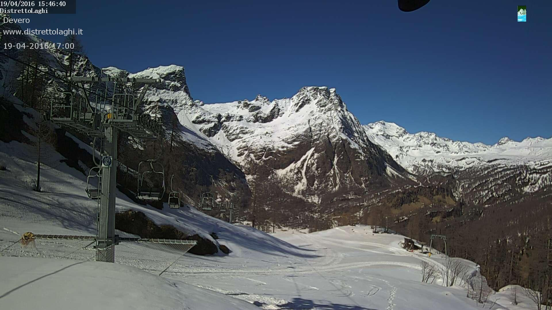 Foto Bollettino Neve Alpe Devero: http://www.bollettinoneve.net/bollettino-neve-alpe-devero.html Bollettino neve Piemonte #neve #montagna #snowboard #snow #mountain #sciare #inverno #ski #skislope #skier #skiing #winter #alpi #alps #appennini alps | italy | ski chalet | snowboarding | heritage site | Snow Style | Snow photography | Snow Falls | mountain photography | snowy mountains | mountain photography | Mountains and snow | snow mountain | mountaineering | trekking | Ski Resorts…