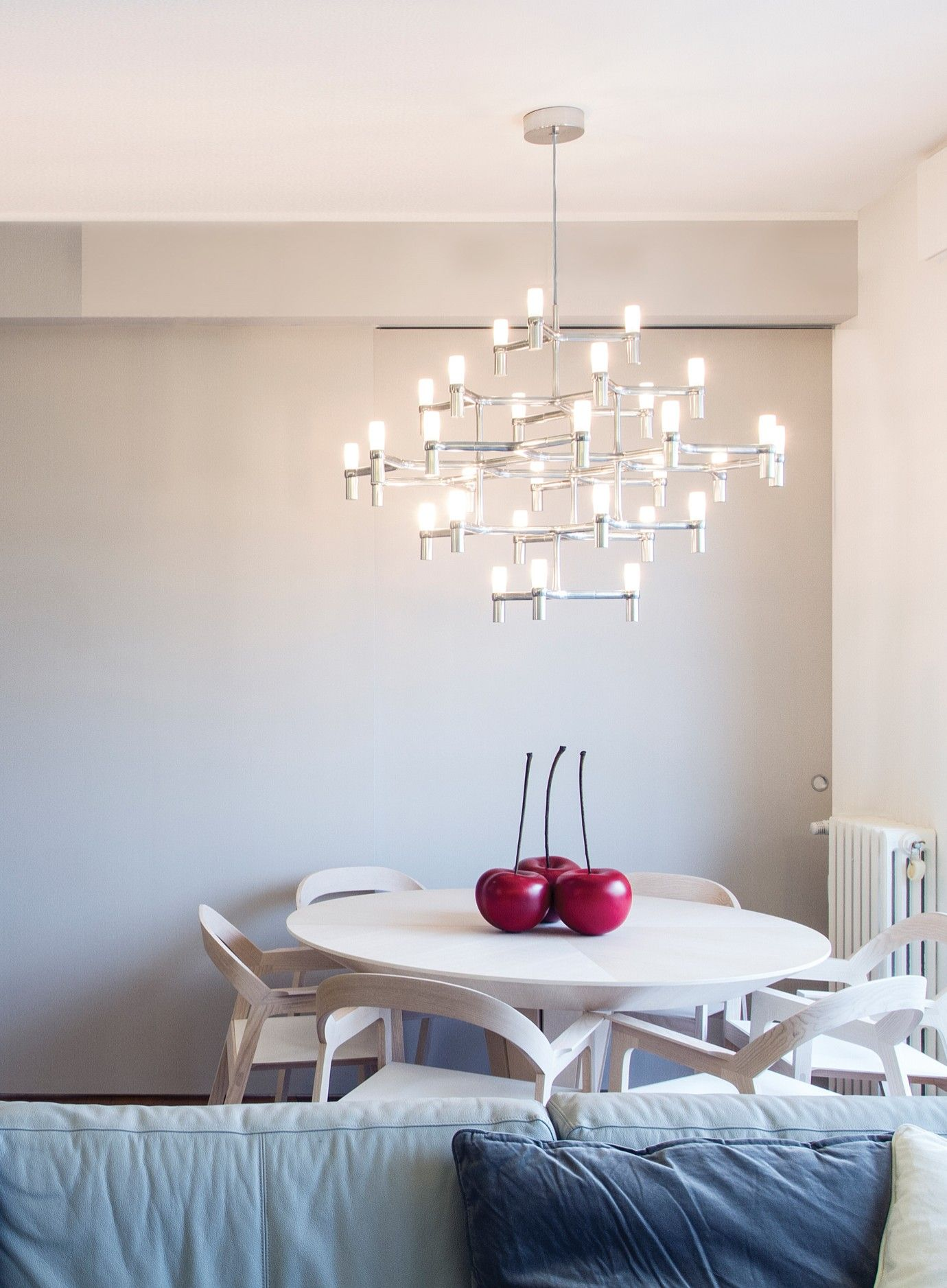 Pendant chandeliers with modular structure in diecasted aluminium