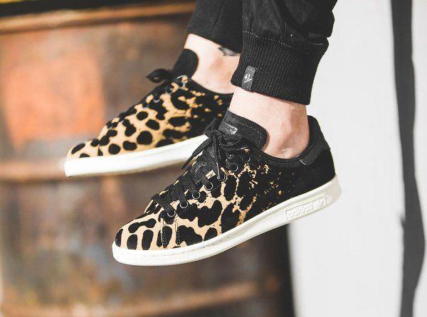 d couvrez la adidas stan smith w leopard cardboard une sneaker pour femme avec un imprim. Black Bedroom Furniture Sets. Home Design Ideas