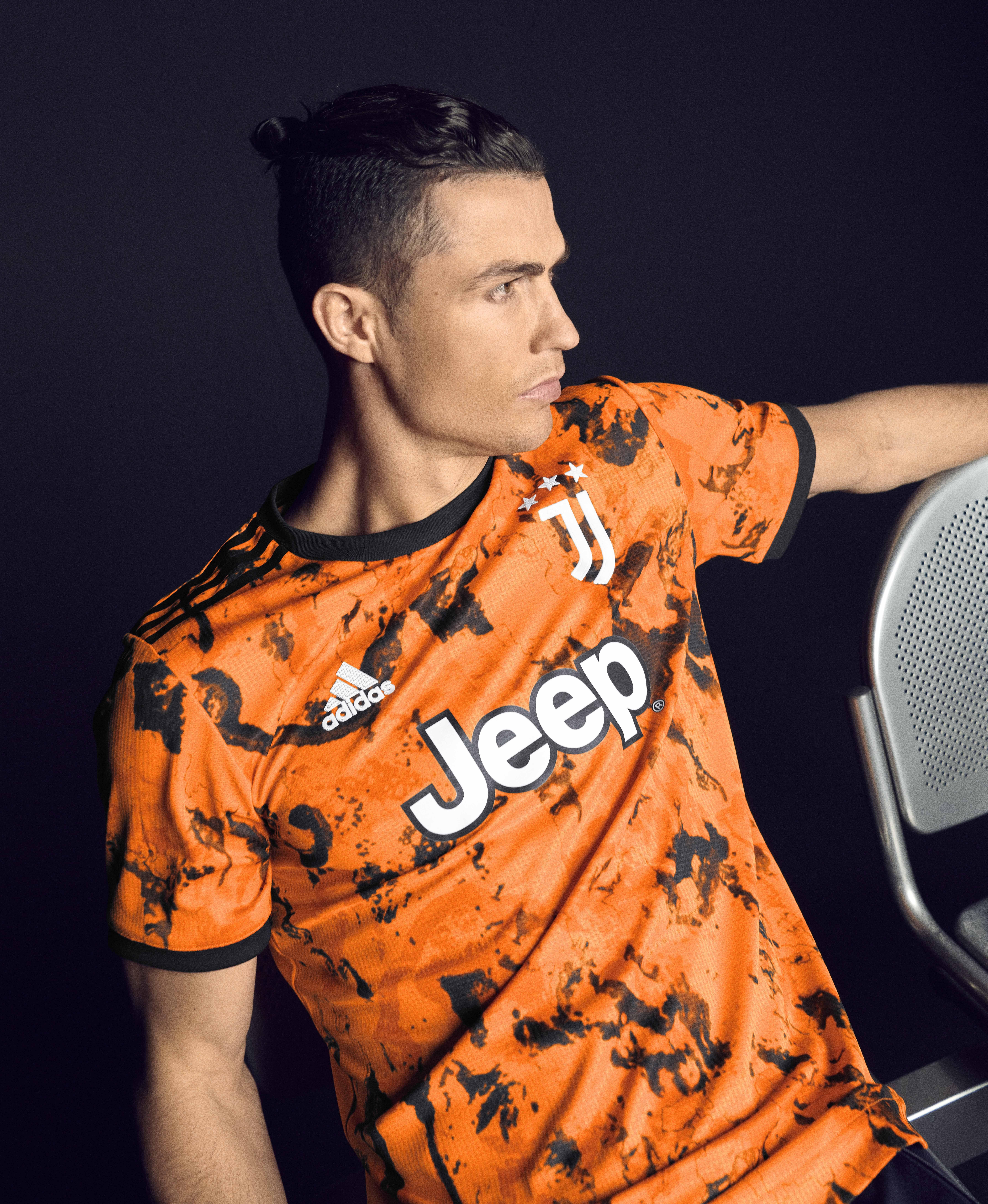 Juventus 20/21 Third Jersey | Cristiano ronaldo, Crstiano ronaldo ...