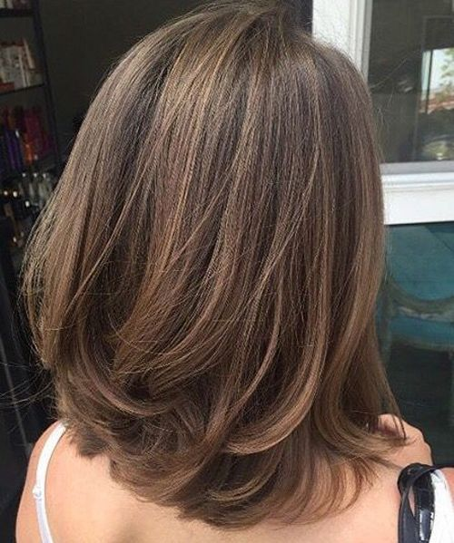Back View Of Pretty Medium Fine Hairstyles 2019 For Women Styles Prime Hair Styles Medium Hair Styles Medium Length Hair Styles