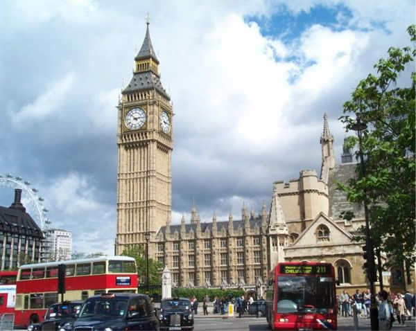 """London    London CityLondon's traditional sights """"Big Ben, Westminster Abbey, Buckingham Palace, St Paul's Cathedral and the Tower of London"""" continue to draw in millions of tourists every year. Monuments from the capital's more glorious past are everywhere to be seen, from medieval banqueting halls and the great churches of Sir Christopher Wren to the eclectic Victorian architecture of the triumphalist British Empire."""