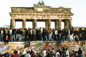 Zahlen Und Fakten Zur Deutschen Einheit Bpb Fall Der Berliner Mauer Deutsche Einheit 30 Jahre Mauerfall