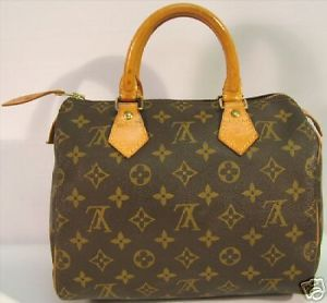 5c8b3851f5f How to SPOT fake LV LOUIS VUITTON  authentic Guide   1