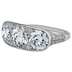 Tiffany & amp;  Co. Art Deco Três pedra de diamante platina anel de noivado