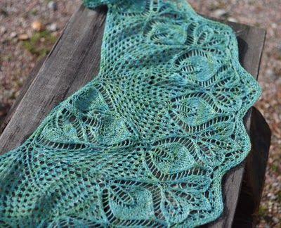 22 leaves shawlette from blogger Lankakomero.  Gorgeous!!!