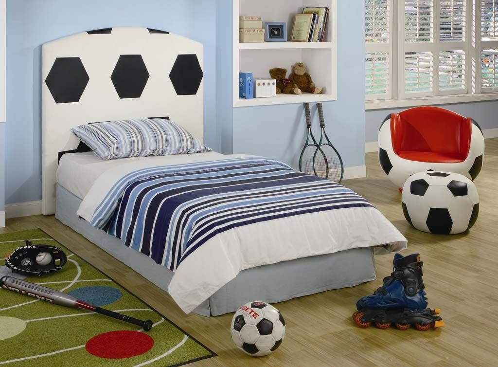 Soccer decorations for teen girls rooms #10