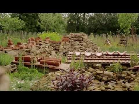 Alternativer Und Preisgekronter Naturgarten Hortus Insectorum Naturgarten Gartenumgestaltung Garten