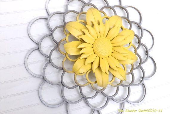 Flower Wall Art / Yellow /Gray /White Home Decor от Theshabbyshak ...