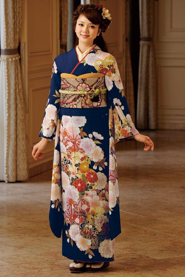 古典柄振袖 紺色 古典 成人式は上品で優雅な古典振袖 成人式 振袖