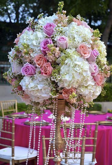 Romantic and chic vineyard wedding | Chavez Braga Productions | La Jolla, San Diego, Temecula #pink #wedding #hydrangeas #roses