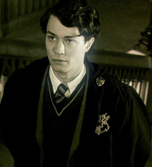 09 100 Pictures Of Mr Tom Riddle Jr Young Tom Riddle Tom Riddle Harry Potter Actors