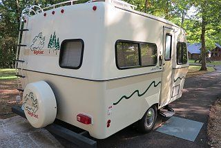 17' Bigfoot | Small Campers / Trailers | Bigfoot trailer, Small