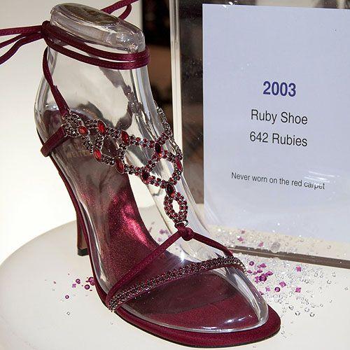O Sapato Mais Caro Do Mundo Most Expensive Shoes Shoes Shoes World