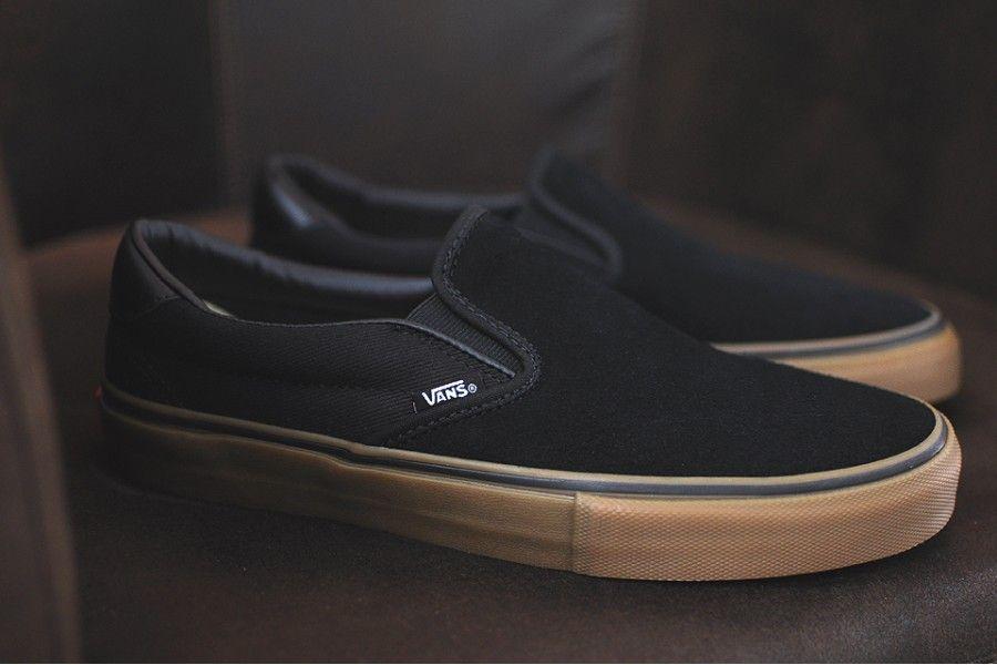 02d8ae41e1 Vans Slip-On 59 Pro x Anti Hero são uma das partes da colaboração da Vans  com a marca de skates.
