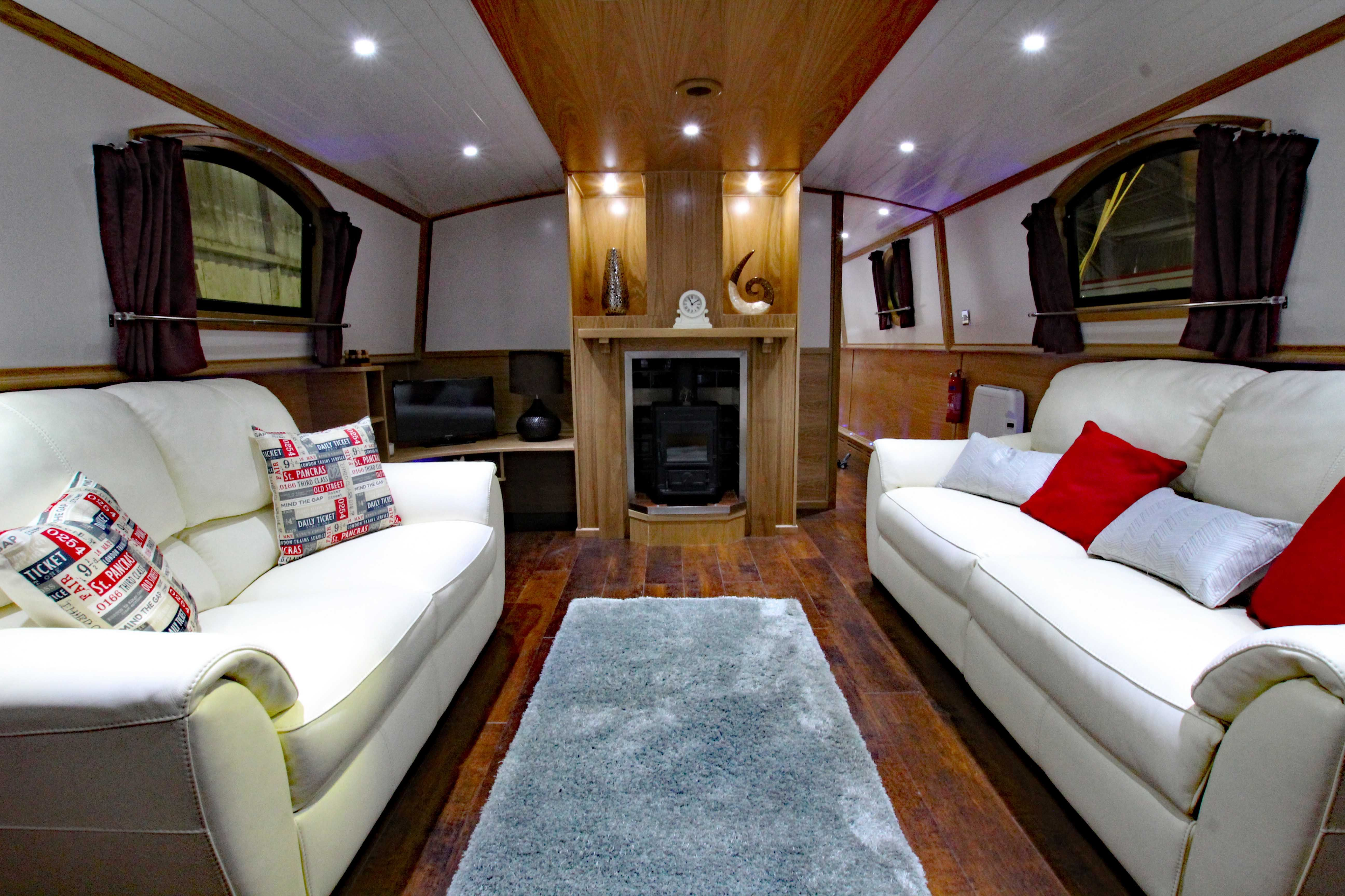 Luxury Interior Inside A Widebeam Boat By Nottingham Boat Co
