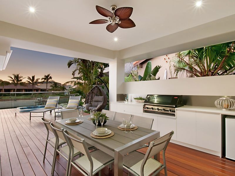 SANCTUARY ON WATER- Relaxing with, a Broadbeach House   Stayz