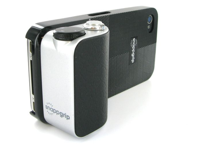 SnapOn Case For iPhone Adds Full Camera Controls & Feel