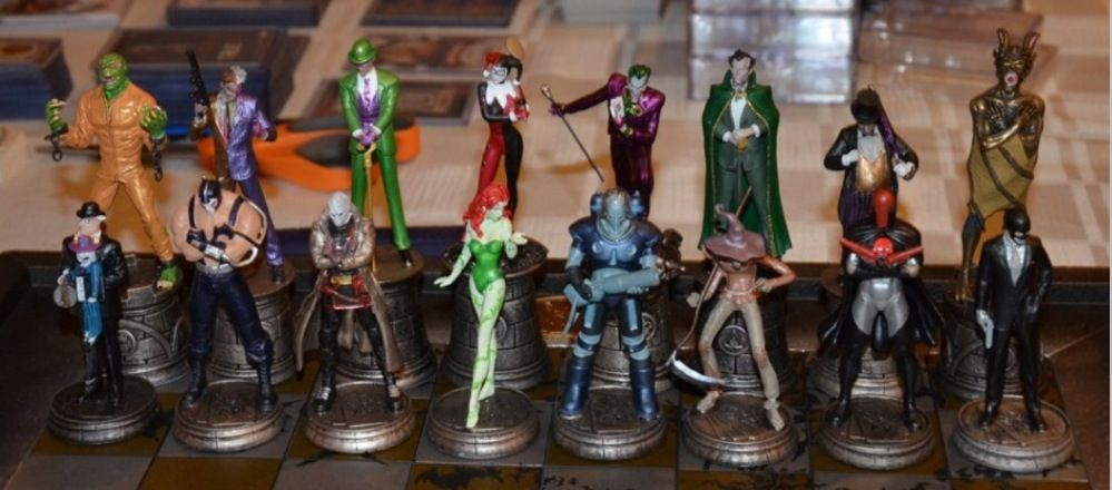 Eaglemoss Batman Chess Set Pieces Batcave Collectibles