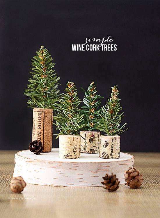 Decorando la Navidad gracias a @Maygarbatella. Nos encanta este centro de mesa hecho con corchos. :)