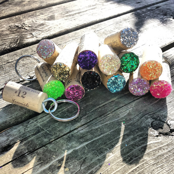Cork Crafts For Weddings: Wine Cork Keychains / Wine Party Favors / Wine Cork Crafts