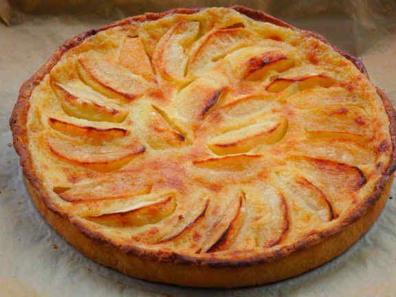 французский десерт с яблоками