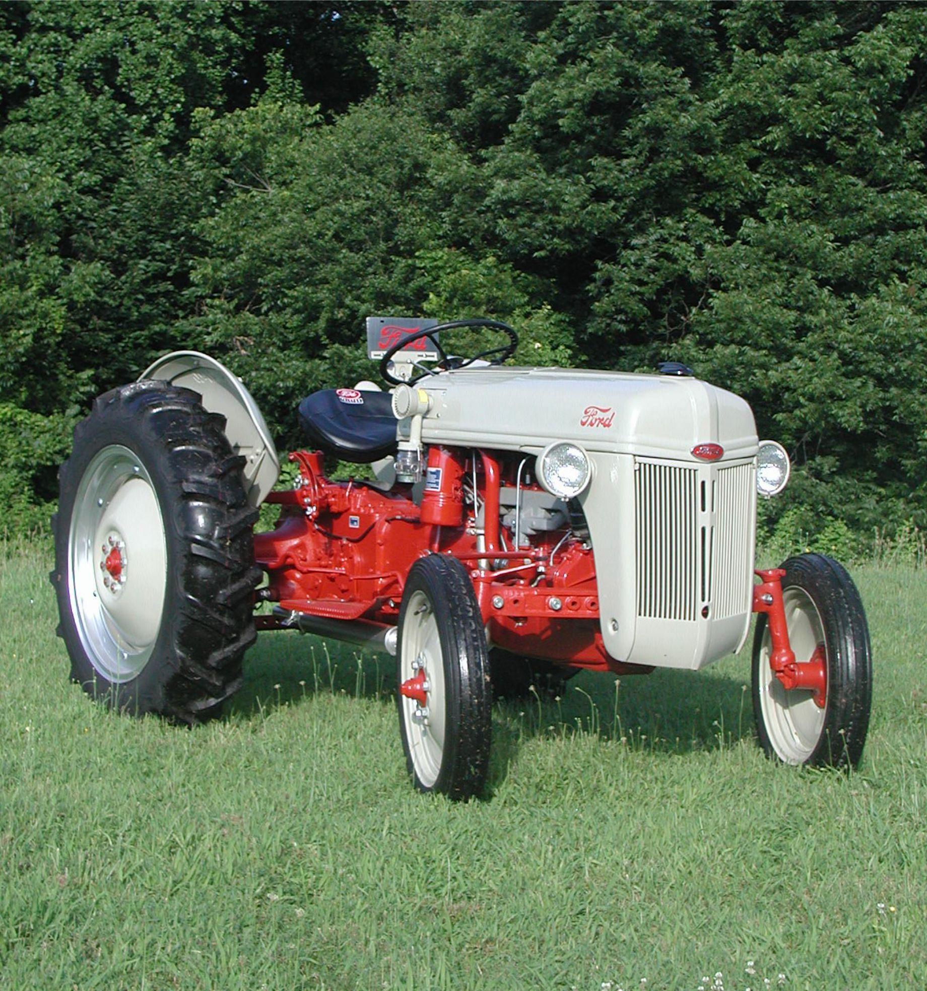1952 8N Ford Tractor Ford tractors, 8n ford tractor