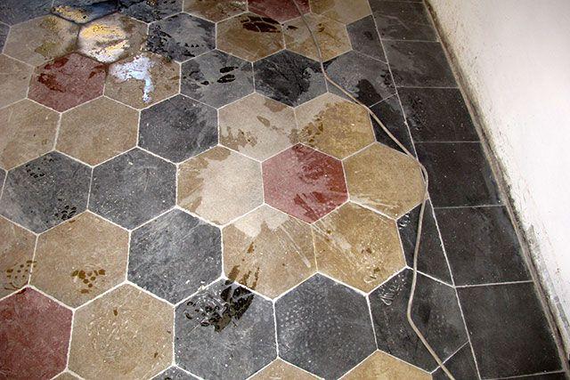 Cementine rovinate dallacido pavimenti alla veneziana e marmo a