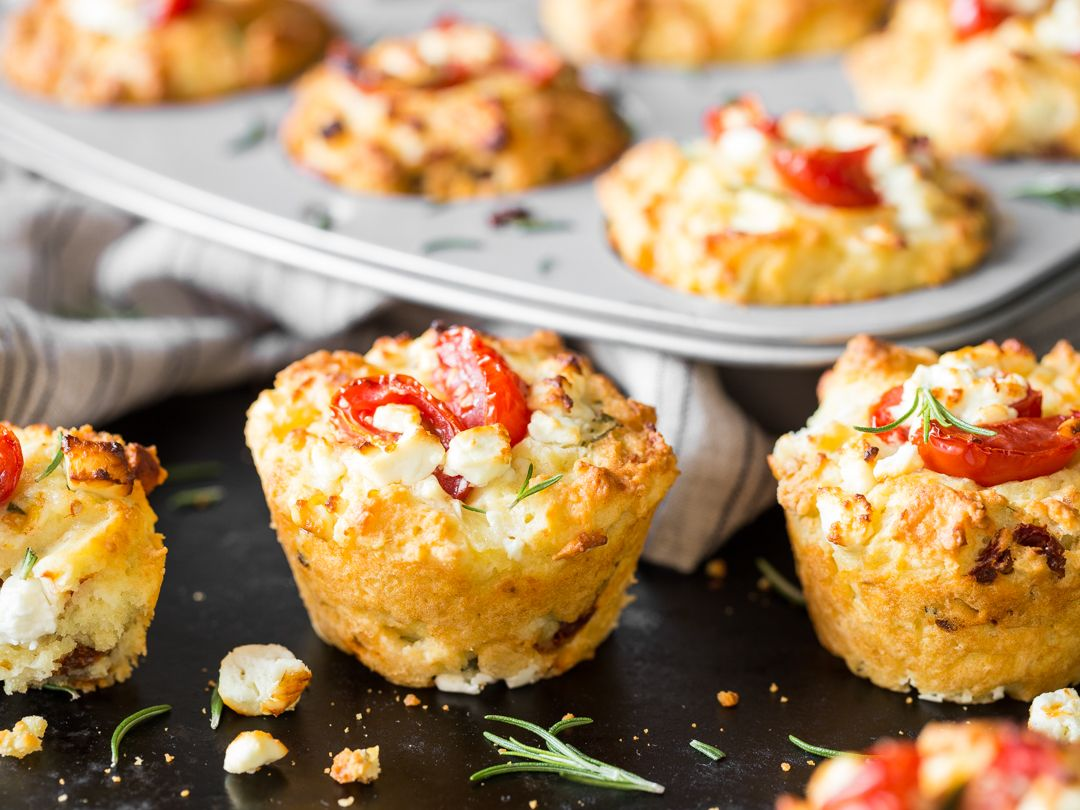 der hingucker auf deinem partybuffet tomaten feta muffins rezept partybuffet feta und muffins. Black Bedroom Furniture Sets. Home Design Ideas