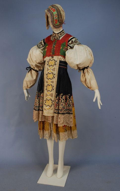 MORAVIAN KROJ or CZECH FOLK COSTUME, 19th-EARLY 20th C